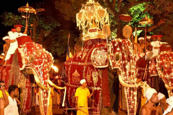 Kandy Perahera Tour 06 days – 05 Nights