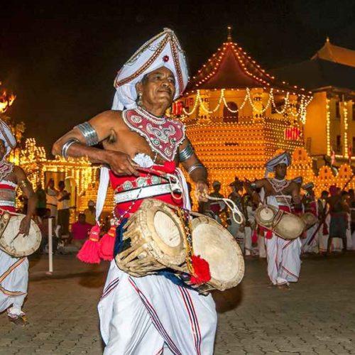 Asianwings-Kandy Perahera Tour